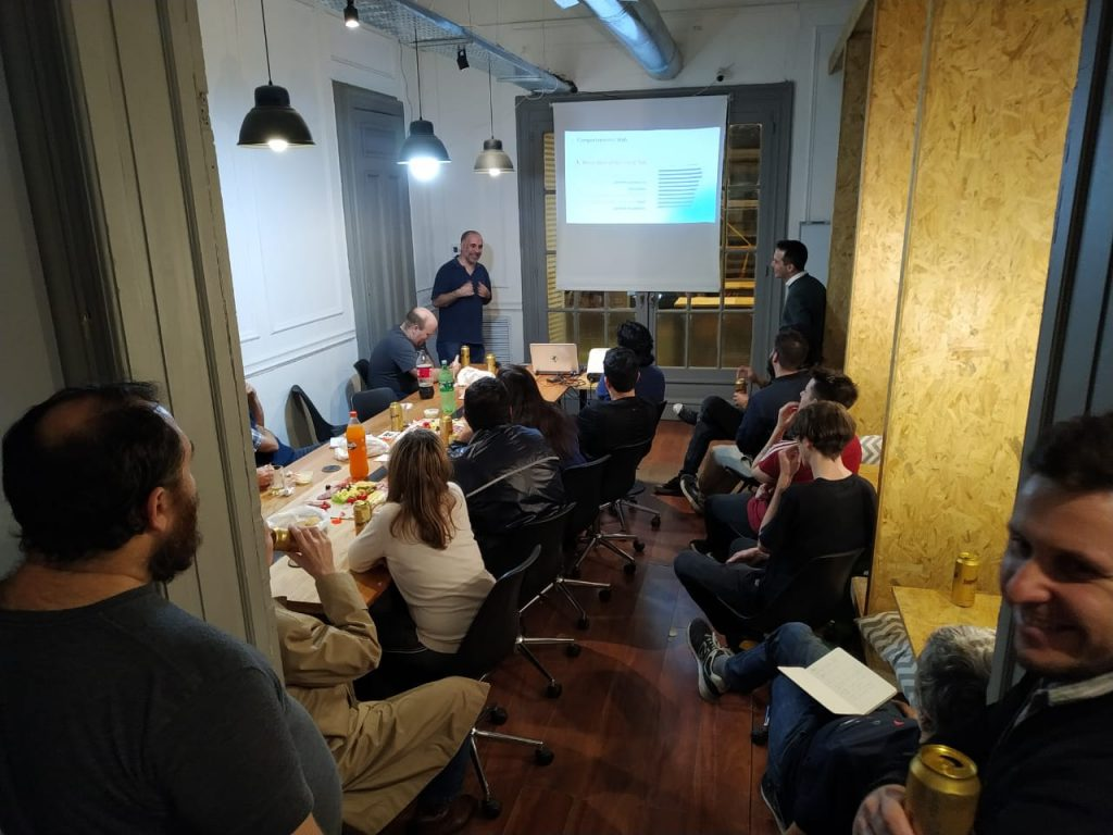 Meetup de Argentina Virtual en el espacio de coworking de Ronda